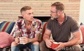 Xvideos boa foda gay coroa dotado comendo novinho